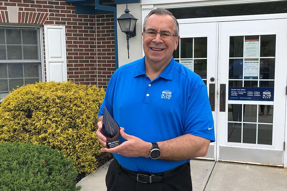 Nathan Lightner wins Volunteer of the Year Award